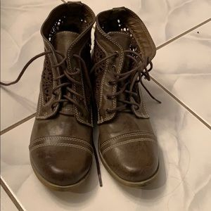 Lace up booties never worn